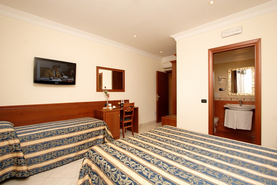 Galaxy Suite Rome